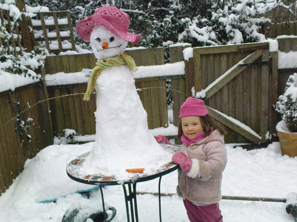 Apparently this snowman is a snow-woman called 'Heebur'